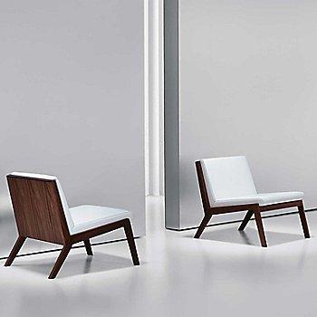 Essential Leather: Quartz color / Walnut: 866 finish / Pair