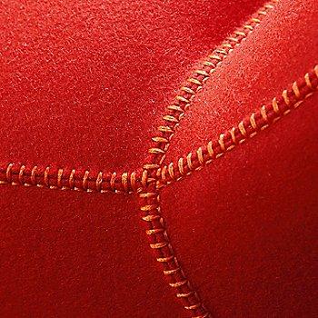 Focus Crimson color / Detail view