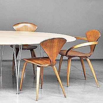 Cherner Armchair / in use