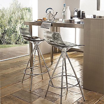 Transparent Smoke Grey / Chromed finish / Counterstool / in use