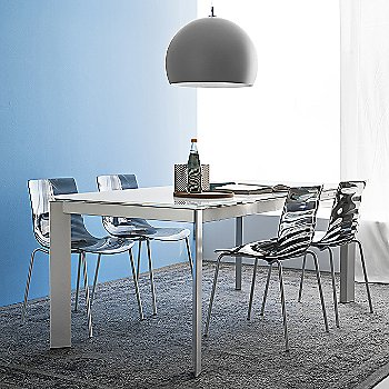 Baron Extending Table with L'Eau Stackable Chair