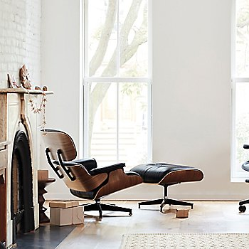 Eames Lounge Chair with Ottoman with Aeron Office Chair – Size B, Graphite and Everywhere Table Rectangular
