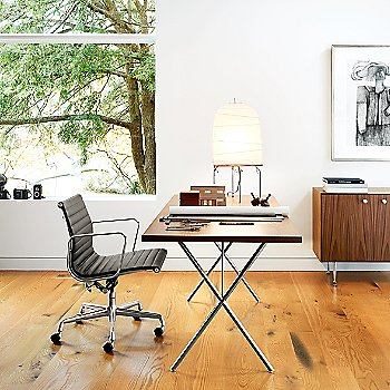 Eames Aluminum Group Management Chair with Nelson X-Leg Table with Laminate Top