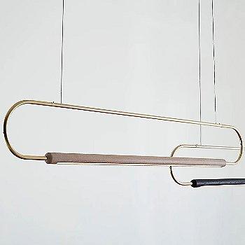 Metal: Brass / Oak: White / 6 ft with Metal: Brass / Oak: Black / 3 ft / Horizontal Position / Detail view