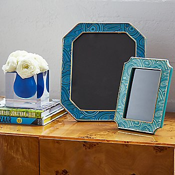 Teal Frame / in use