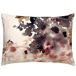 En Casa 18 Pillow