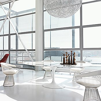Lifestyle, shown with Saarinen Oval Dining Table