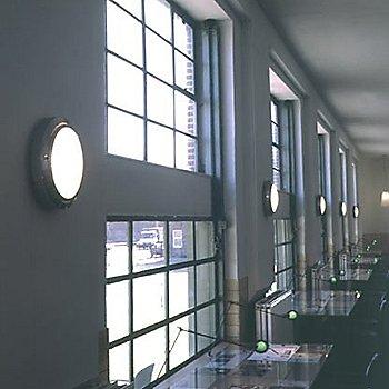 Metropoli D20/38 Indoor Light, in use