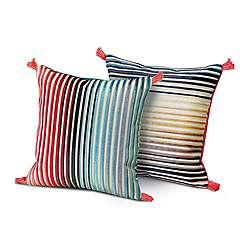 Modern Accent + Throw Pillows | YLiving