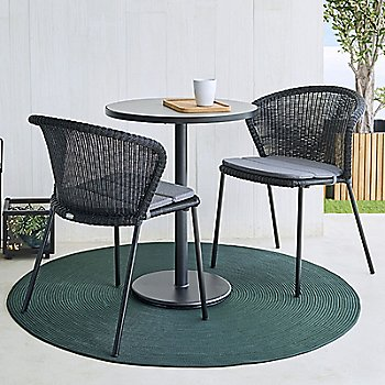 Go Round Café Table / in use