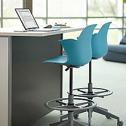 Node Mid-Back Stool with Five-Arm Base