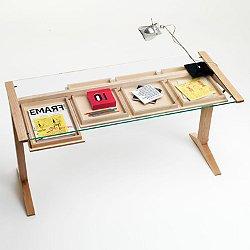 Leo Desk