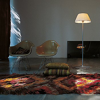 Romeo Soft F Floor Lamp / Use in room