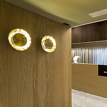 Scotch Club A30 Wall Sconce / in use