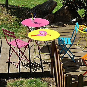 Tom Pouce Table with Tom Pouce Chair Set of 2